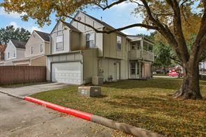 1401 Cypress Cove Street, La Porte, TX 77571