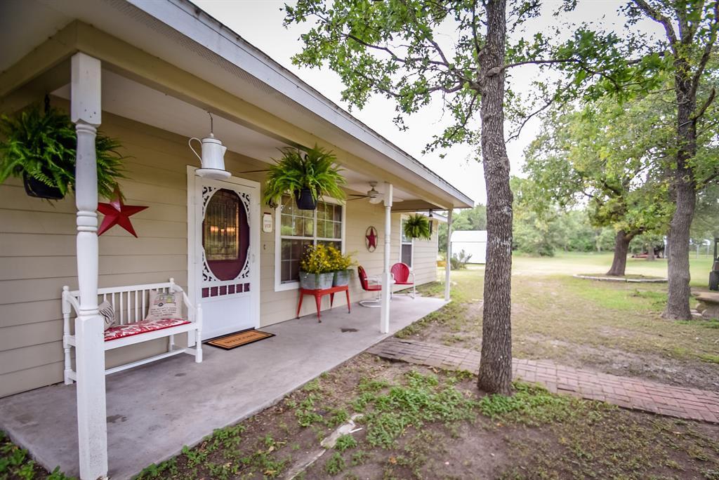 4285 N State Highway 95, Flatonia, TX 78941