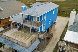 422 Windward, Tiki Island, TX, 77554