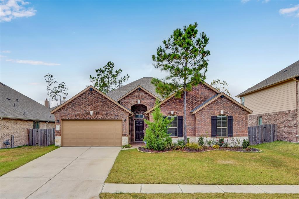Great location! 4 bed and 2. Bath . Great floor plan and Conroe ISD schools. Water softener system in the entire house. Beautiful Upgrade patio. Granite in the kitchen.
