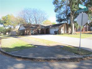 858 silverpines road, houston, TX 77062