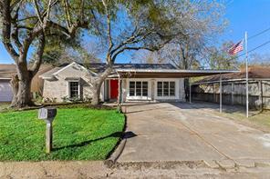 3105 long meadow drive, baytown, TX 77521