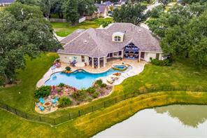 3 oak park court, angleton, TX 77515