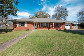118 W Bernard, West Columbia TX 77486
