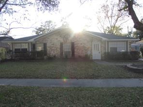 322 queenstown road, houston, TX 77015