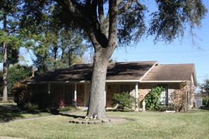 347 southbrook circle, houston, TX 77060