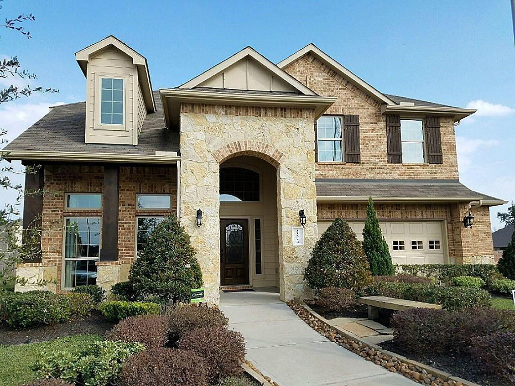 This gorgeous formal D.R. Horton Model home located near 99 Grand Parkway & Highway 45. Four bedrooms with study and game room sits on the cud-de-sac lot.TONS of upgrades. Walking distance to Zwink elementary School, which is the TX High Performance School Verified campus. Klein ISD! Easy access to the Woodlands/ Downtown Houston/ Kingwood. Refrigerator is included. MUST SEE!!!