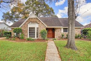 982 Chamboard, Houston TX 77018