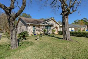 412 Travis Street, Webster TX 77598