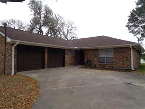 239 Lakewood, Clute TX 77531