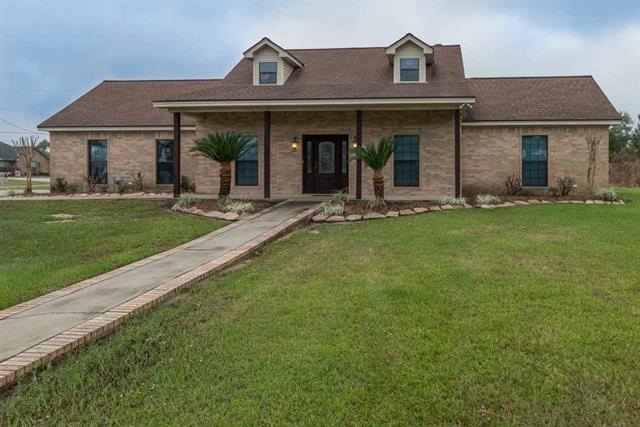 8105 E Ashford Park, Orange, TX 77630