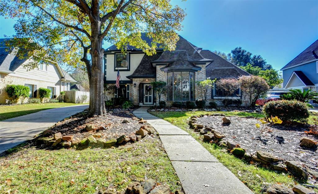 5318 Manor Glen Drive, Houston, Texas 77345