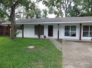 5766 Reed, Houston TX 77033