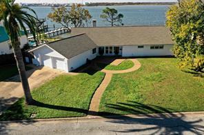 1305 Harbor View, Galveston TX 77550