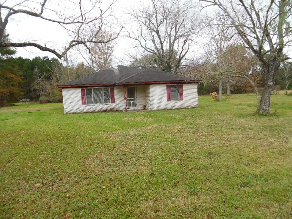 550 County Road 2065, Hull, TX 77564