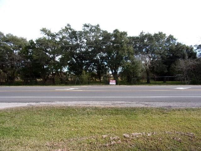 300 W Edgewood Drive, Friendswood, TX 77546