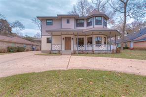 1715 East Lake Drive, Huntsville, TX 77340