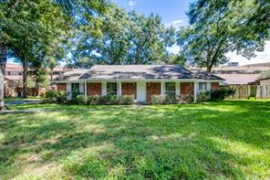 17510 wild oak drive, houston, TX 77090