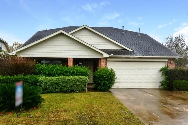 Great location with easy access to I-45, Hardy Toll and the Grand Parkway. This single story offers three bedrooms and two baths with an open floor plan. Mature landscaping in the front with an open patio in the rear. Close to shopping, dining and entertainment. This is one you will want to see!