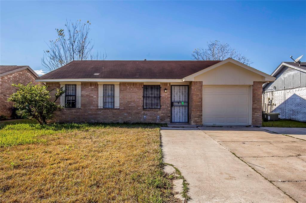9827 Ribbonwood Street, Houston, TX 77078