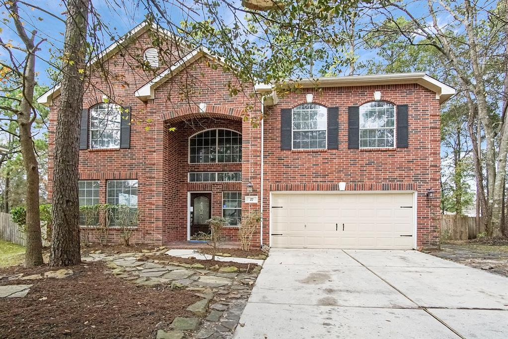 Built in 2002, this Conroe two-story cul-de-sac home offers stainless steel appliances, granite countertops, a fireplace, and a two-car garage. Upgraded features include a new roof. Pools and parks are part of the HOA.