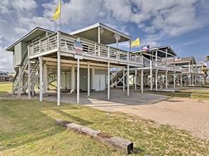 214 Beach Drive, Surfside Beach, TX 77541