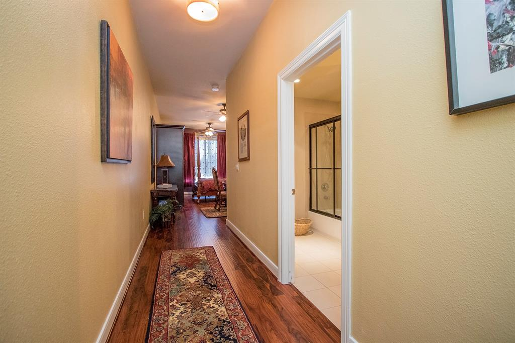 FULLY FURNISHED EFFICIENCY FOR SALE IN CROWN JEWEL--ROYALTON AT RIVER OAKS! MUCH LIKE A HOTEL SUITE WTH ALL THE BELLS AND WHISTLES. GREAT IN-TOWN HOME WITH LENGTHY AMMENITIES: (24 HOUR CONCIERGE, ON-SITE MANAGEMENT, VALET PARKING, SECURE ENTRY INTO GARAGE WITH ASSIGNED PARKING SPACE, THEATRE, GUEST SUITE AVAILABLE FOR RENTAL, CONFERENCE ROOMS, BALLROOM, CHEIF'S KITCHEN, STATE OF THE ART FITNESS CENTER, AND RESORT STYLE POOLS. THIS UNIT IS ONE OF A KIND AND ONLY EFFICIENCY IN THIS BUILDING---ALL FURNITURE INCLUDED!
