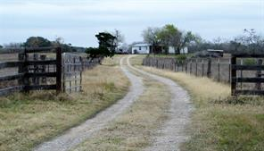 6193 County Road 228, Gonzales TX 78629
