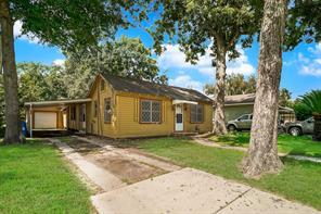 713 n avenue d, humble, TX 77338