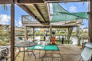 426 Pompano Street, Bayou Vista, TX 77563