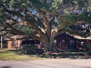 106 e kay street, dayton, TX 77535