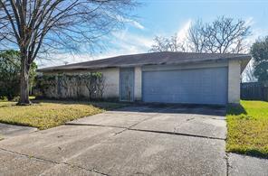 7027 Rockergate, Houston TX 77489