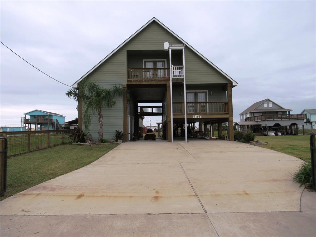 1095 County Road 201, Sargent, TX 77414
