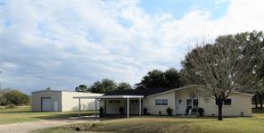 500 Lazy Lane, Anahuac, TX 77514