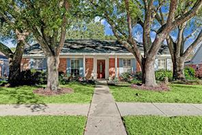 4339 Parkmead, Seabrook TX 77586