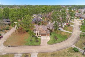 Located just minutes from Lake Conroe and quick access to the West gate of Bentwater.