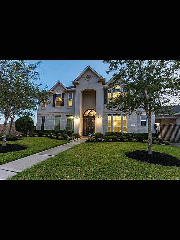 Gainesville Luxury Designer Home: 2 Story Homes For Sale In Pearland TX