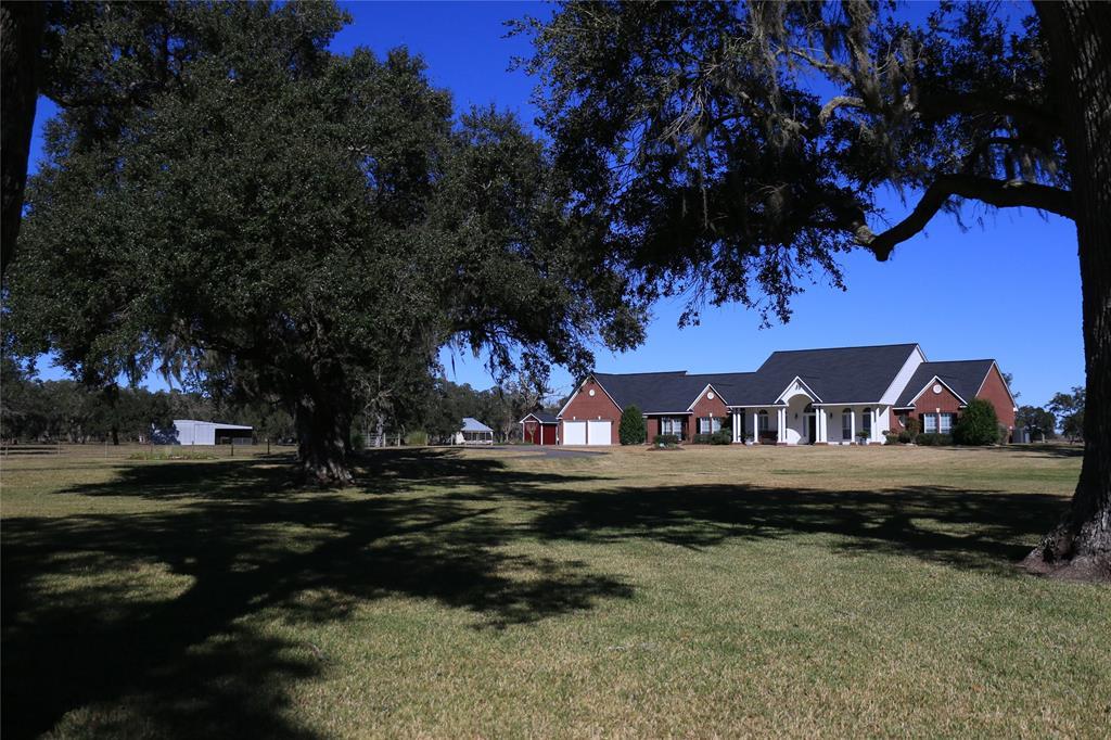8607 County Road 628 Curve, Brazoria, TX 77422