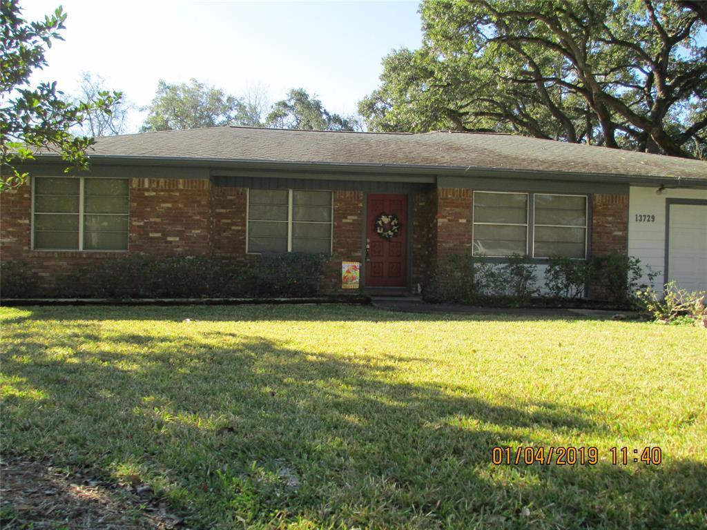 13729 W 6th Street, Santa Fe, TX 77517