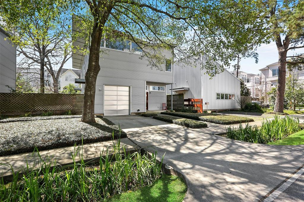 Architecturally stunning contemporary home situated on a large lot in an exceptionally central inner loop location. Brilliantly designed by award-winning architect Nonya Grenader, the home fills with natural light via a generous supply of well placed windows. The crisp, white palette, large, open spaces, and plethora of recessed lighting create a sophisticated gallery feel. Useful built-ins, sharp lines, and hardwood floors are hallmarks of the home's smart design. The back deck makes for an ideal space for an al fresco meal, and beyond the deck is an extensive yard. This ADA compliant home includes an elevator with a telephone as well. From restaurants/entertainment along Shepherd and Washington to outdoor activities at Buffalo Bayou and Memorial Parks, there's a lot to take advantage of not far from your front door.