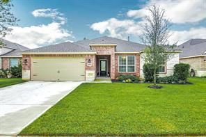 Welcome home to 9019 Nina Rd, Conroe, TX