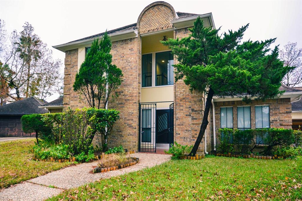 323 Wood Loop Street, Houston, TX 77015