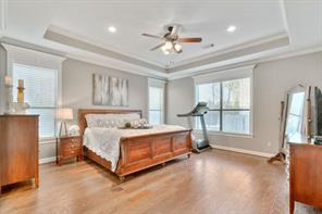 Master bedroom large enough for even the grandest furniture. This home has space in all the right areas.
