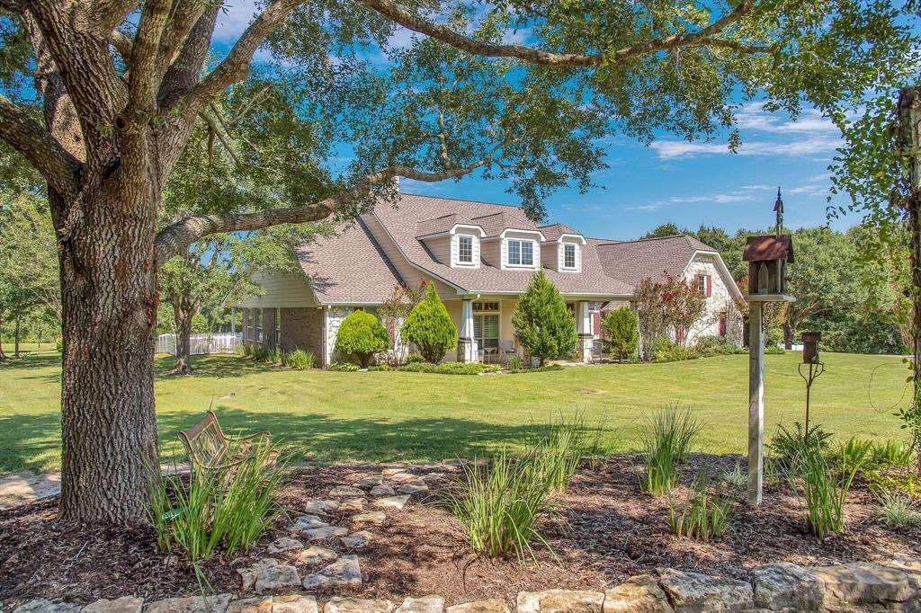 101 Heritage Trail, Bellville, TX 77418