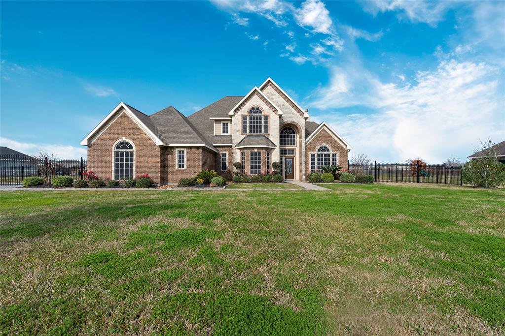 5019 Landon Lane, Baytown, TX 77523