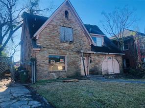 2800 Southmore, Houston TX 77004