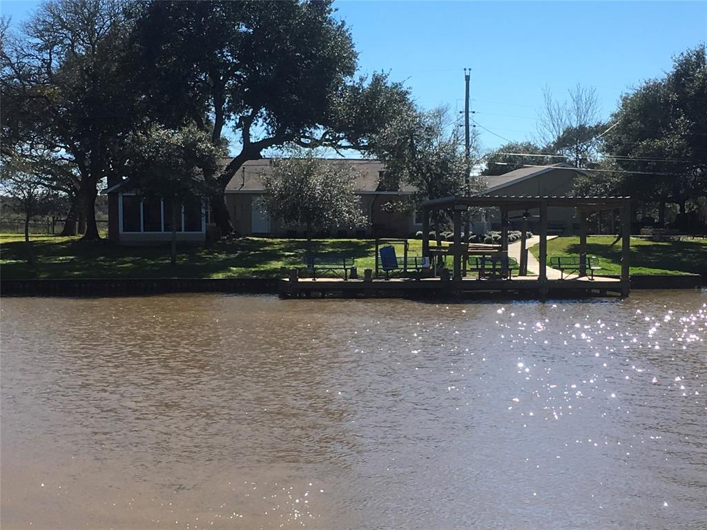 680 County Road 206 Creekside, Sargent, TX 77414