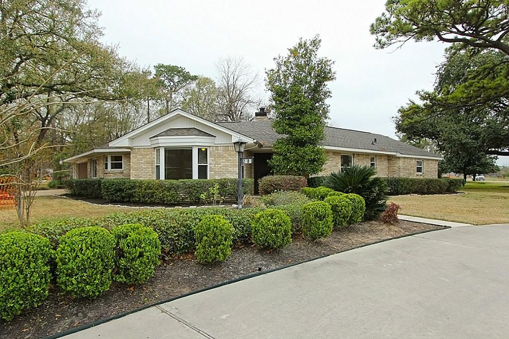 Beautiful 4 bedroom, 3 bathroom, corner lot home located just inside the 610 North Loop in the sought after Lazybrook/Timbergrove area.  Only minutes from the Downtown, Galleria, Greenway, and Memorial Park areas.  Updated master-bath and kitchen.  Stone, tile and hardwood floors, granite counter-tops and double-pane windows.  Refrigerator, washer, and dryer stay with home.