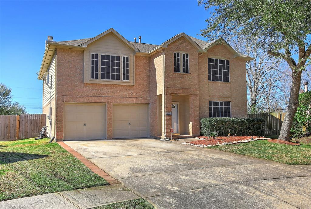 5006 Chasewood Court, Bacliff, TX 77518