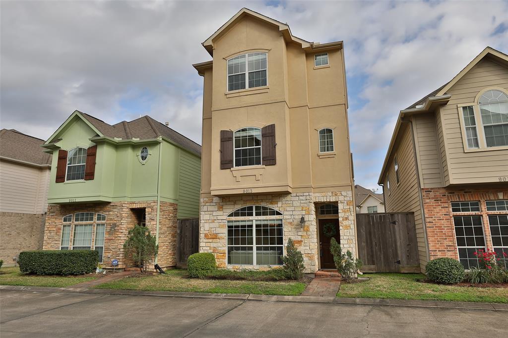 9013 Bayview Cove Drive, Houston, TX 77054